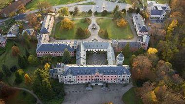 Замок Сихров и пивоварня Свияны
