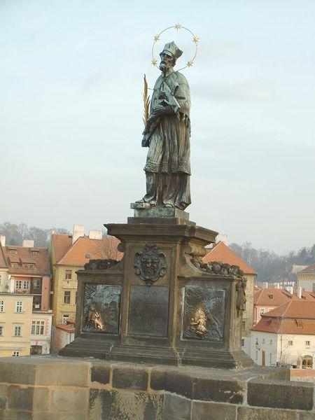 памятник Яну Непомуцному-megatour.cz