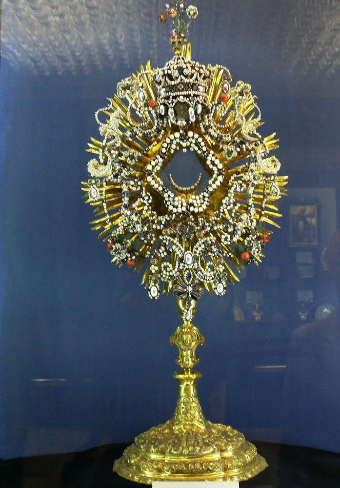 Лоретанское сокровище (6 222 алмаза)-megatour.cz