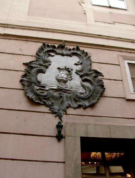 Дом У серебряного чайника - megatour.cz