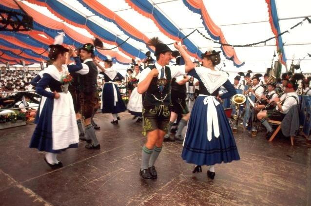 Полька -чешский  народный танец-megatour.cz