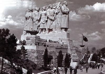 Памятник Сталину в Праге - megatour.cz