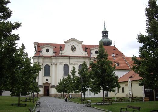 Бржевновский монастырь - megatour.cz
