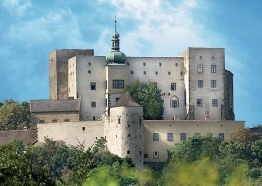 Замок Бухлов-megatour.cz