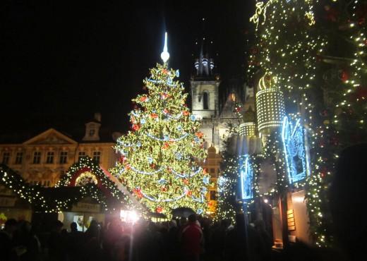 Самая большая рождественская елка в Чехии - megatour.cz