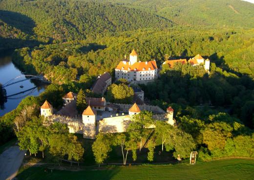 Замок Вевержи - megatour.cz