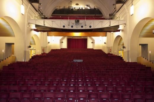 Театр «Губерния» - megatour.cz