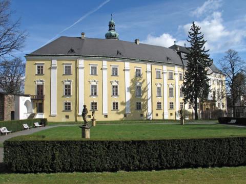Замок Брунтал - megatour.cz