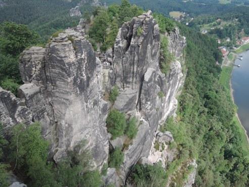 Вид с Эльбских  песчаных гор (дух захватывает) - megatour.cz
