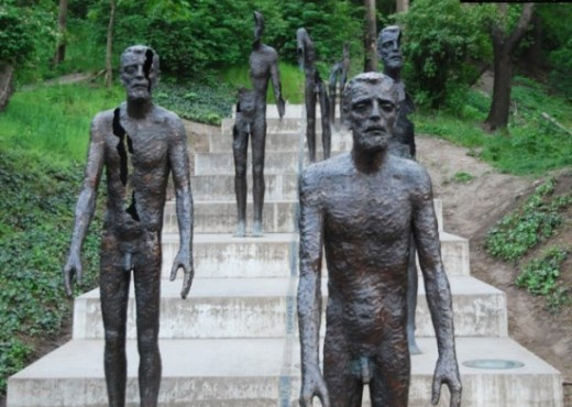 Памятник жертвам режима - megatour.cz