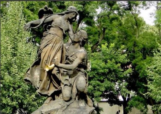 памятник Цтираду и Шарке на Вышеграде - megatour.cz