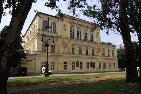 Дворец Жофин на Славянском острове.
