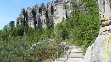 Теплицкий скальный город – загадка дикой природы