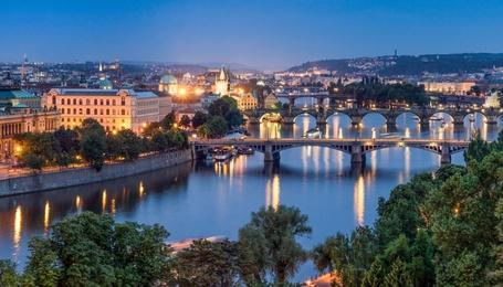 Обзорная экскурсия в Праге + Кораблик (в маленькой группе)
