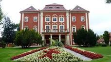 Замок-палац Детенице - історична реліквія